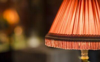 Абажуры для настольных ламп: формы и материалы